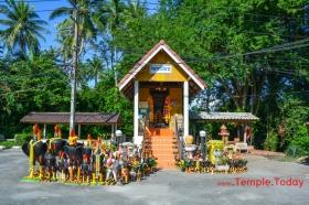 Thuat Klai Shrine (Pho Than Klai) ศาลาทวดกลาย (พ่อท่านกลาย) Tambon Sa Kaeo, Tha Sala District, Nakhon Si Thammarat 80160, Thailand.