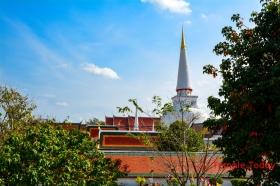 Wat Phra Mahathat Woramahawihan (วัดพระมหาธาตุ วรมหาวิหาร) Tambon Nai Mueang, Mueang Nakhon Si Thammarat District, Nakhon Si Thammarat 80000, Thailand.