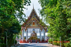 Wat Yai Chaimongkol (วัดใหญ่ชัยมงคล) Tambon Tha Wang, Mueang Nakhon Si Thammarat District, Nakhon Si Thammarat 80000, Thailand.